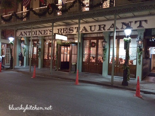 Christmas in New Orleans, 2015 ~ Part 2.continues a tour of the fabulous dining in New Orleans. Join us to visit great restaurants.