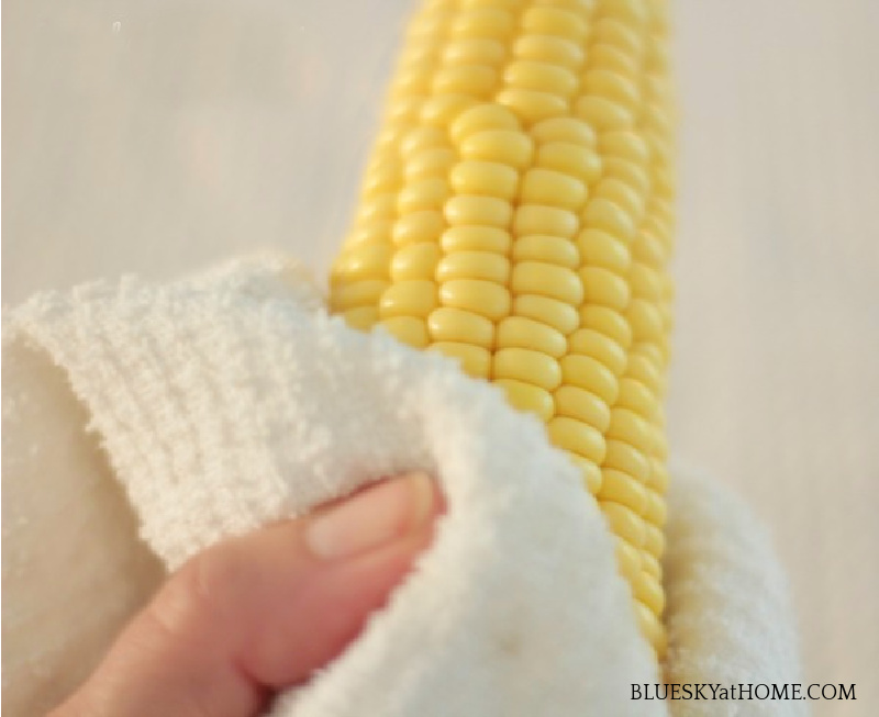 cleaning corn on the cob