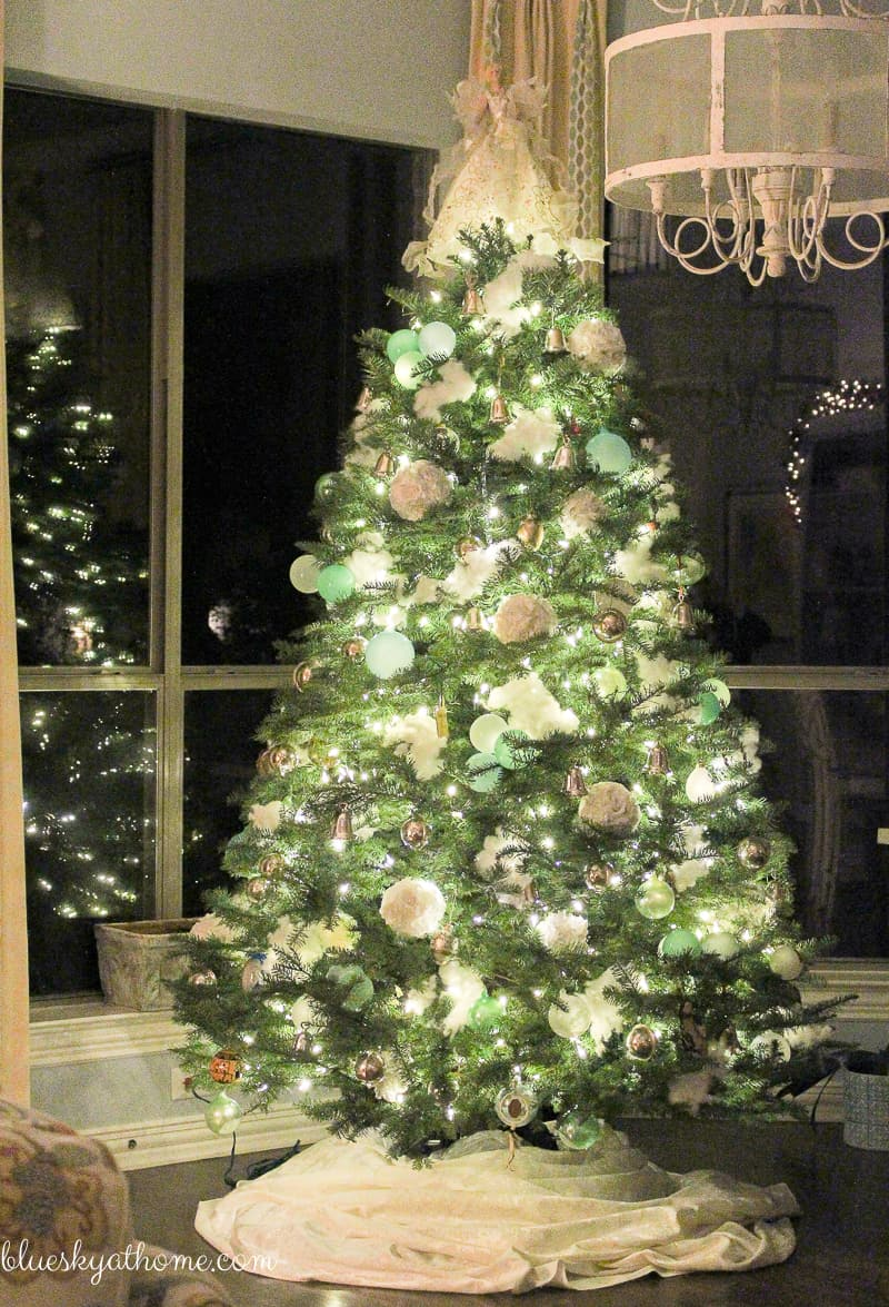 Living Room and Kitchen Christmas Decorations ~ Bluesky at Home
