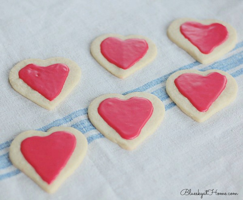 Valentine cookies with icing
