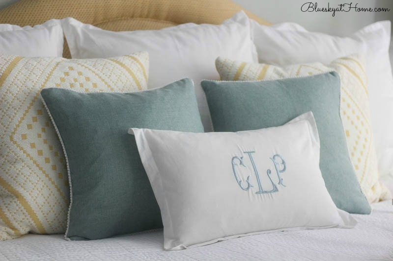 master bed pillows
