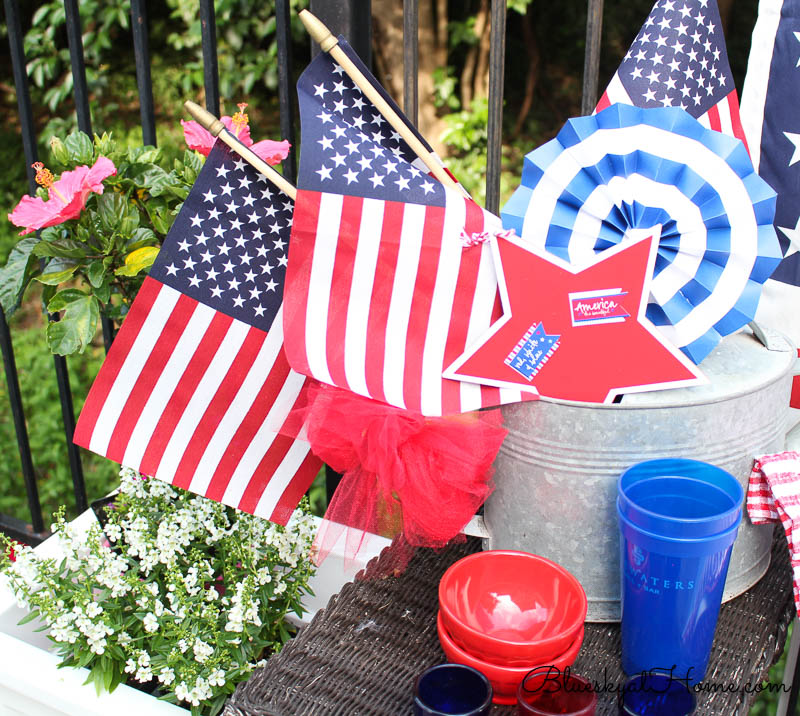 4th of July vignette with flags and pinwhells