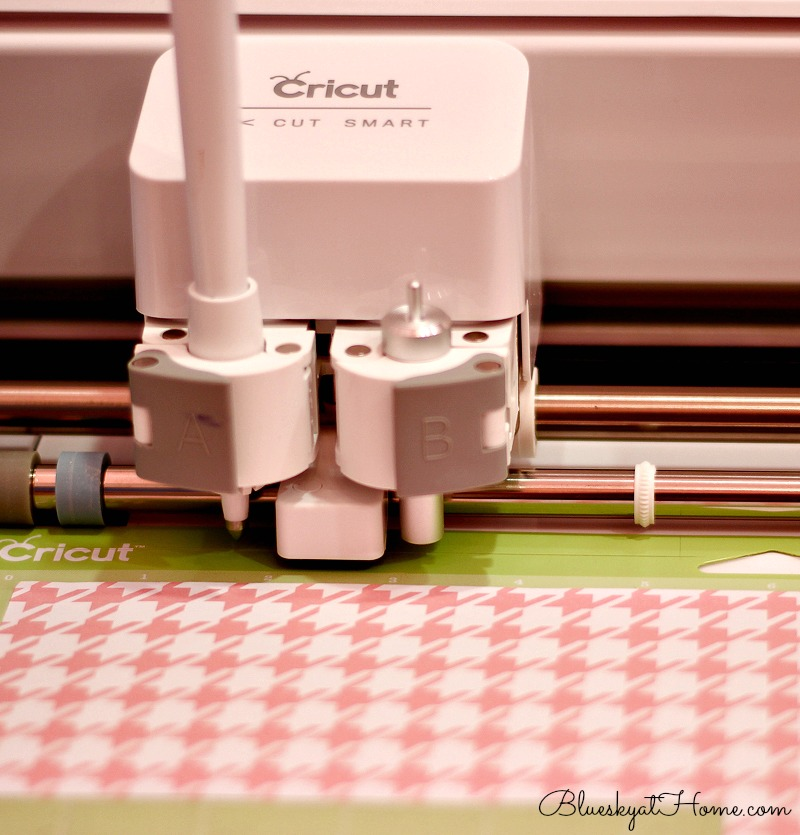 using Cricut to cut out banner