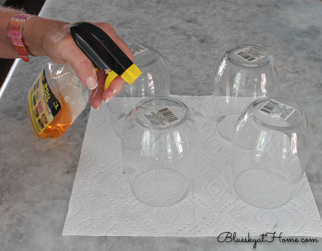 cleaning stemless wine glasses