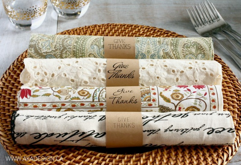 Thanksgiving DIY project paper napkin rings