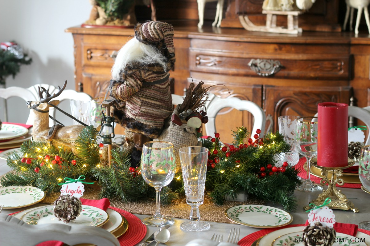 Christmas tablescape with pinecone place card holders