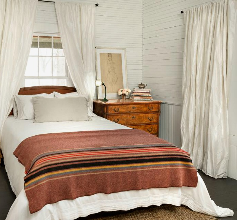 brown and rust bedroom