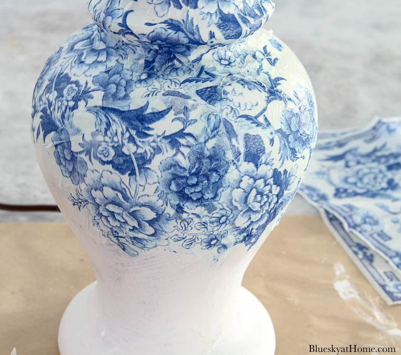 apply chinoiserie napkins to lamp