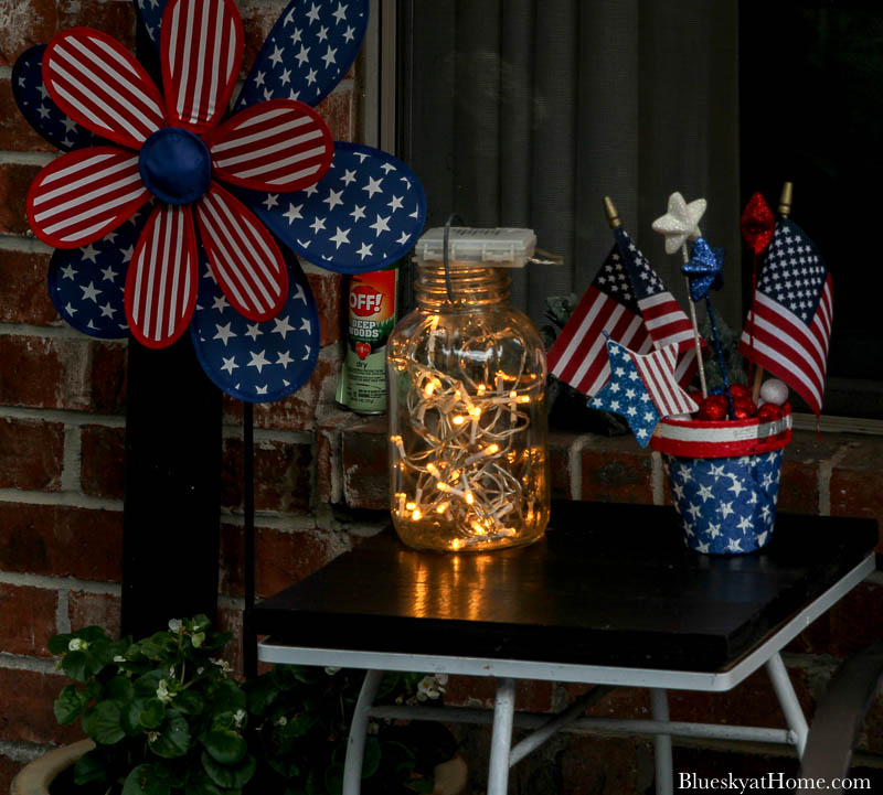 4th of July decorations at night