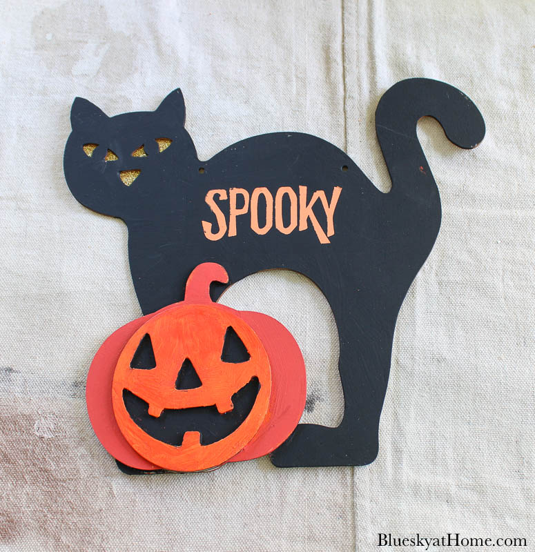 paint and stencil Halloween cat