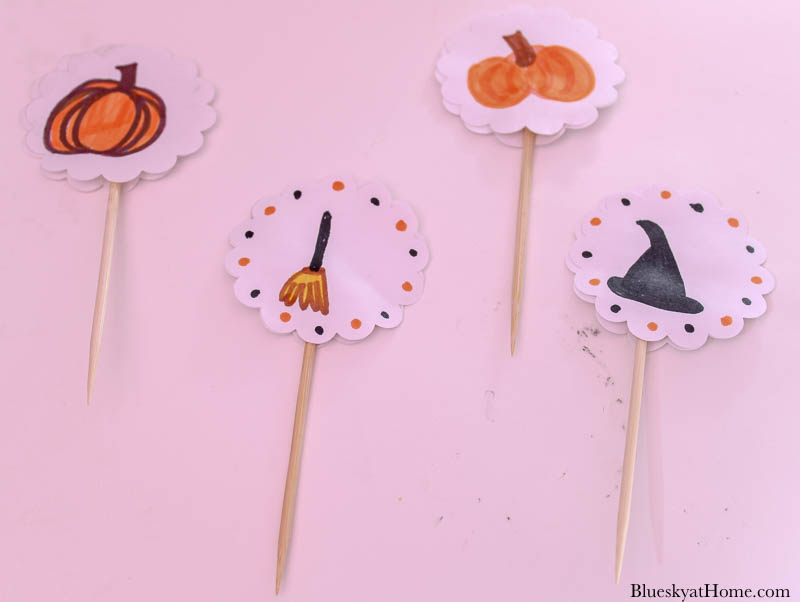 4 halloween cupcake toppers