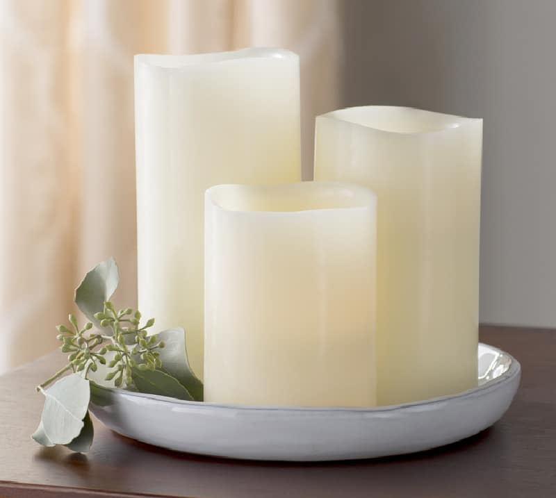 3 white candles
