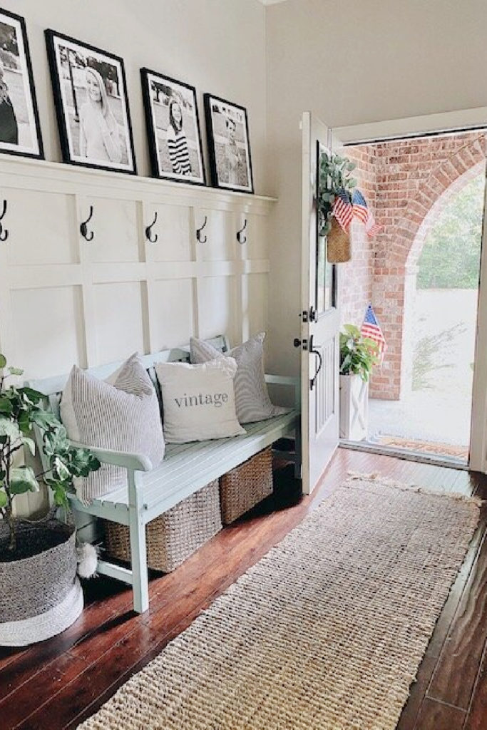 summer entry in white bench and neutral