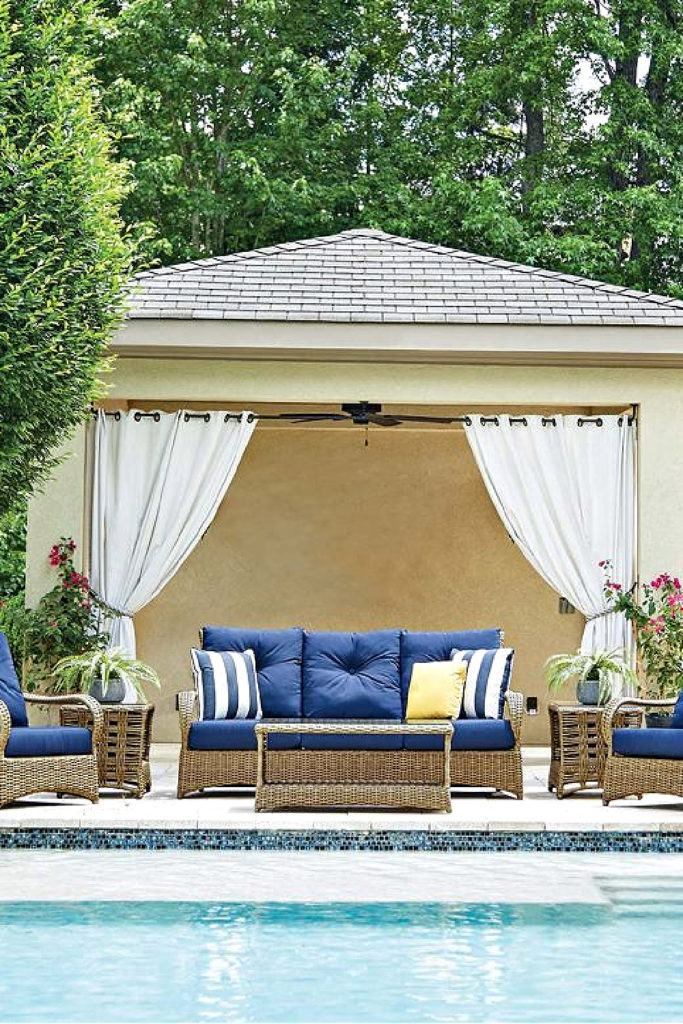Southern Home Magazine outdoor pool area