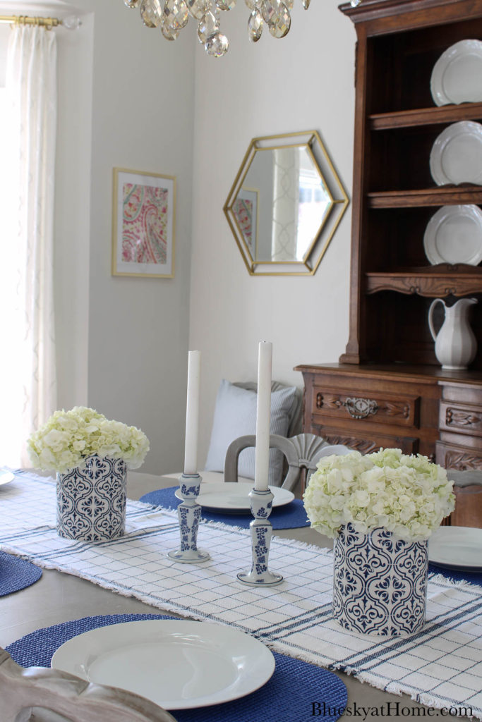 summer blue and white tablescape