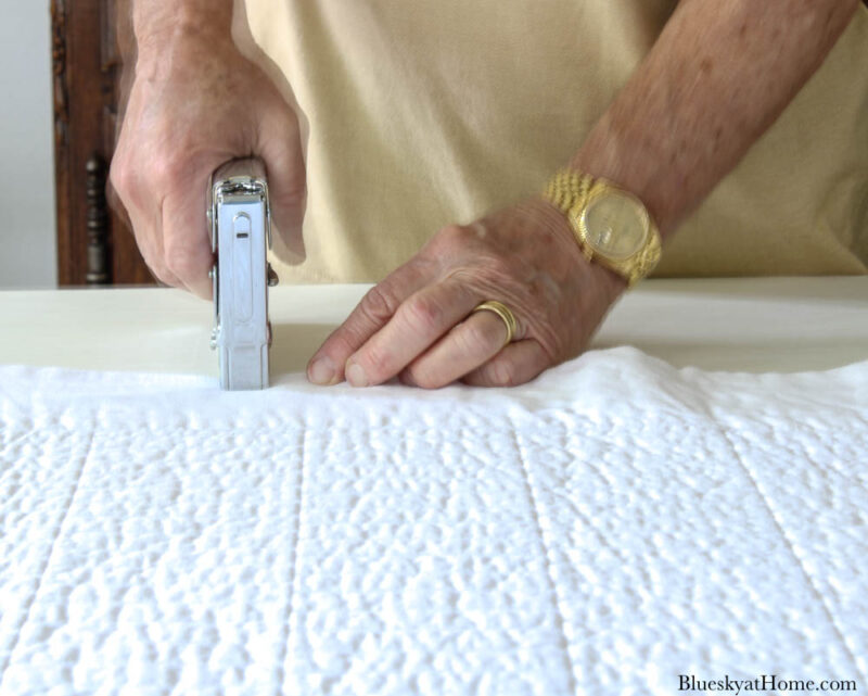attaching quilt to wood headboard